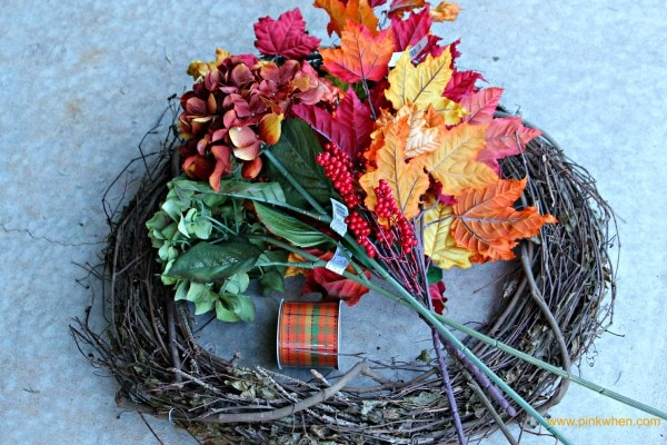 Autumn Leaves and a Fall Wreath via PinkWhen.com