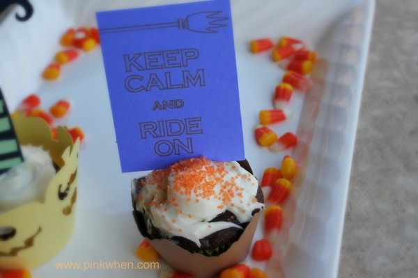 #KeepCalm #Halloween #Cupcake Ideas using the SIlhouette Machine, super cute!! PinKWhen.com