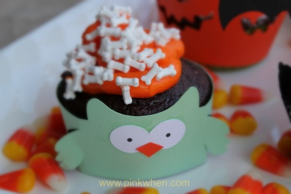 Cute #Halloween #Cupcake #Owl made with the Silhouette Cameo at PinkWhen.com