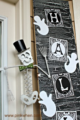 Halloween Door Decor #spookyspaces