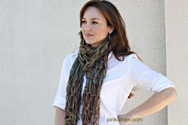 Arm Knitting Scarf Tutorial and Video via PinkWhen.com
