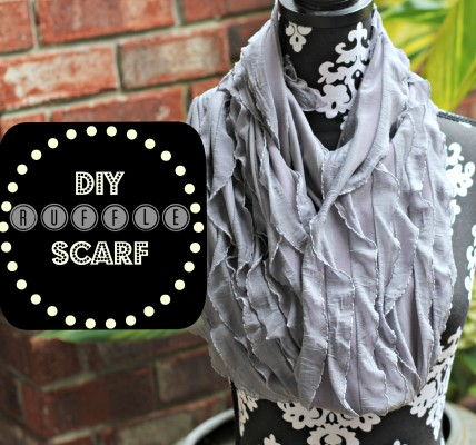 DIY Ruffle Scarf in 5 minutes!