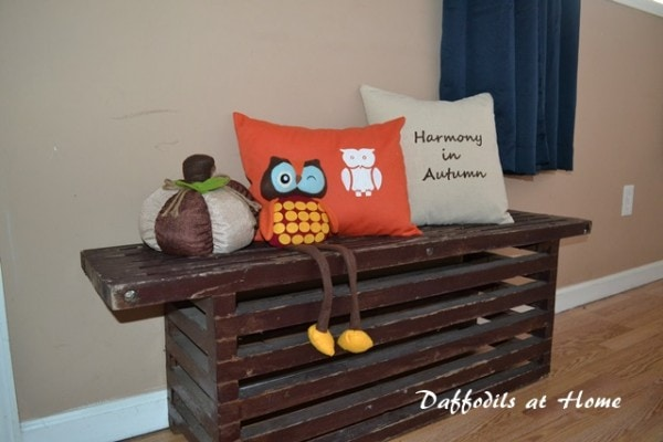 fall-pillow-vignette