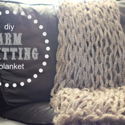 How to: Arm Knitting a Blanket (Chunky Knit Blanket)