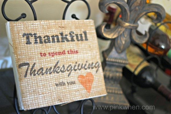 Print on burlap a welcoming sign with this free printable to share with your loved ones this Thanksgiving