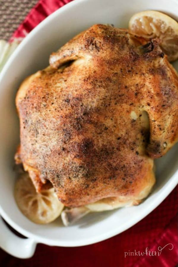 Here's How You Should Be Making Your Chicken Dinner slow cooker crock pot whole roasted like rosemary rotisserie chicken seasoned to perfection with just a handful of spices. #slowcookerwholechicken #wholechicken #slowcookerrecipes