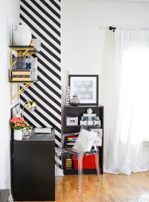 DIY-Black-and-White-Striped-Accent-Wall