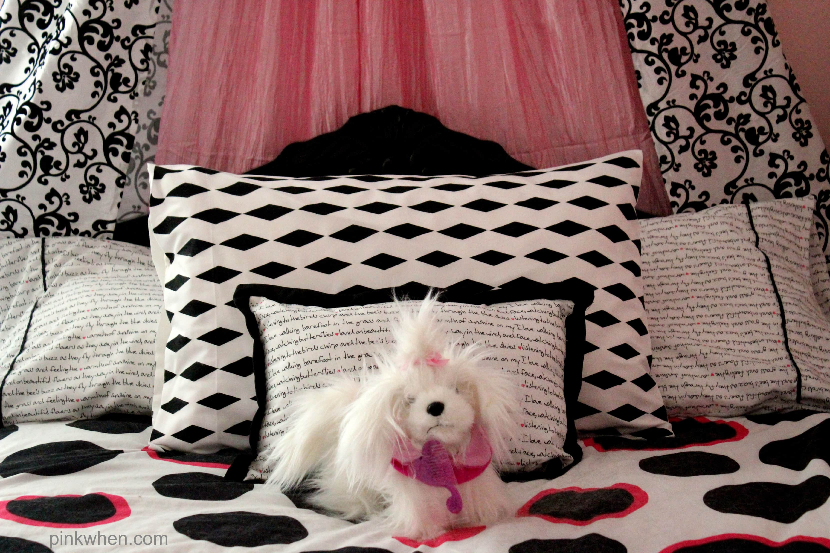 Easy DIY Fabric Painted and Patterned Pillow Case with FrogTape® Shape Tape™ via PinkWhen.com 10
