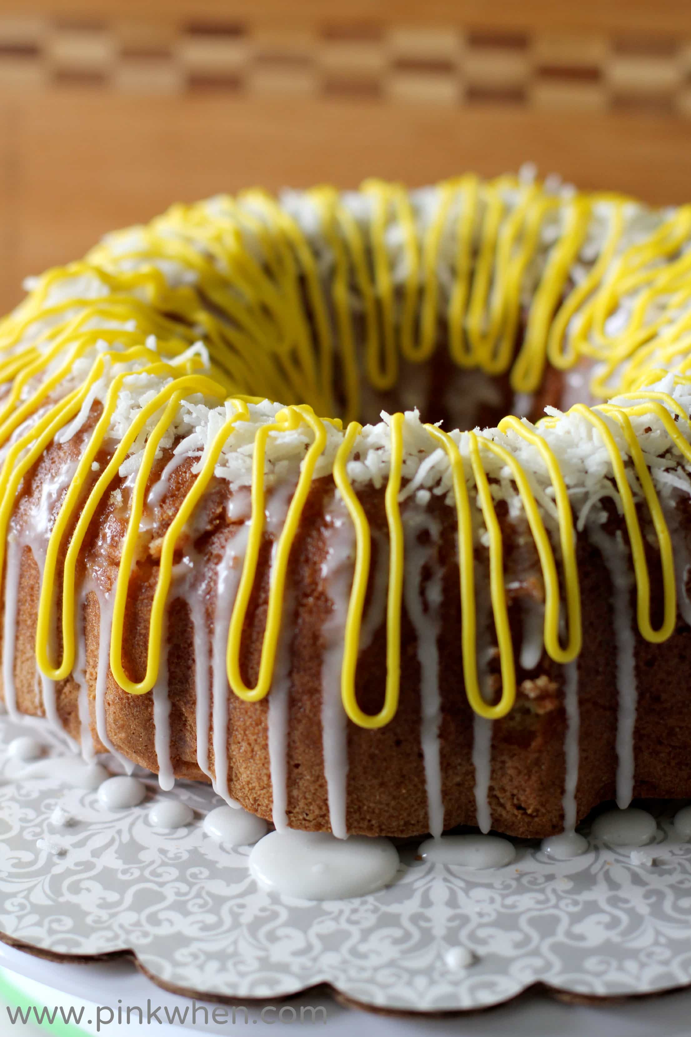 Lemon Bundt Cake With Sour Crleam