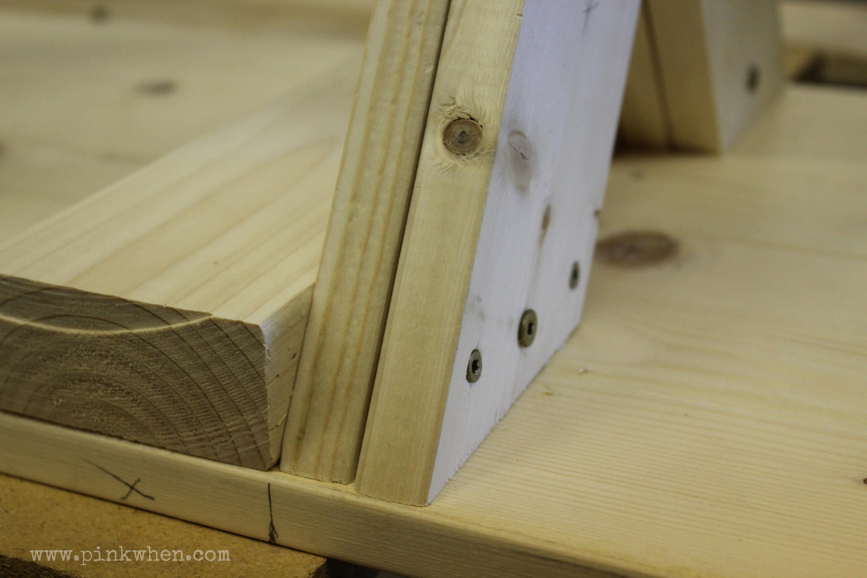 DIY  Outdoor Patio Bench via PinkWhen.com 3