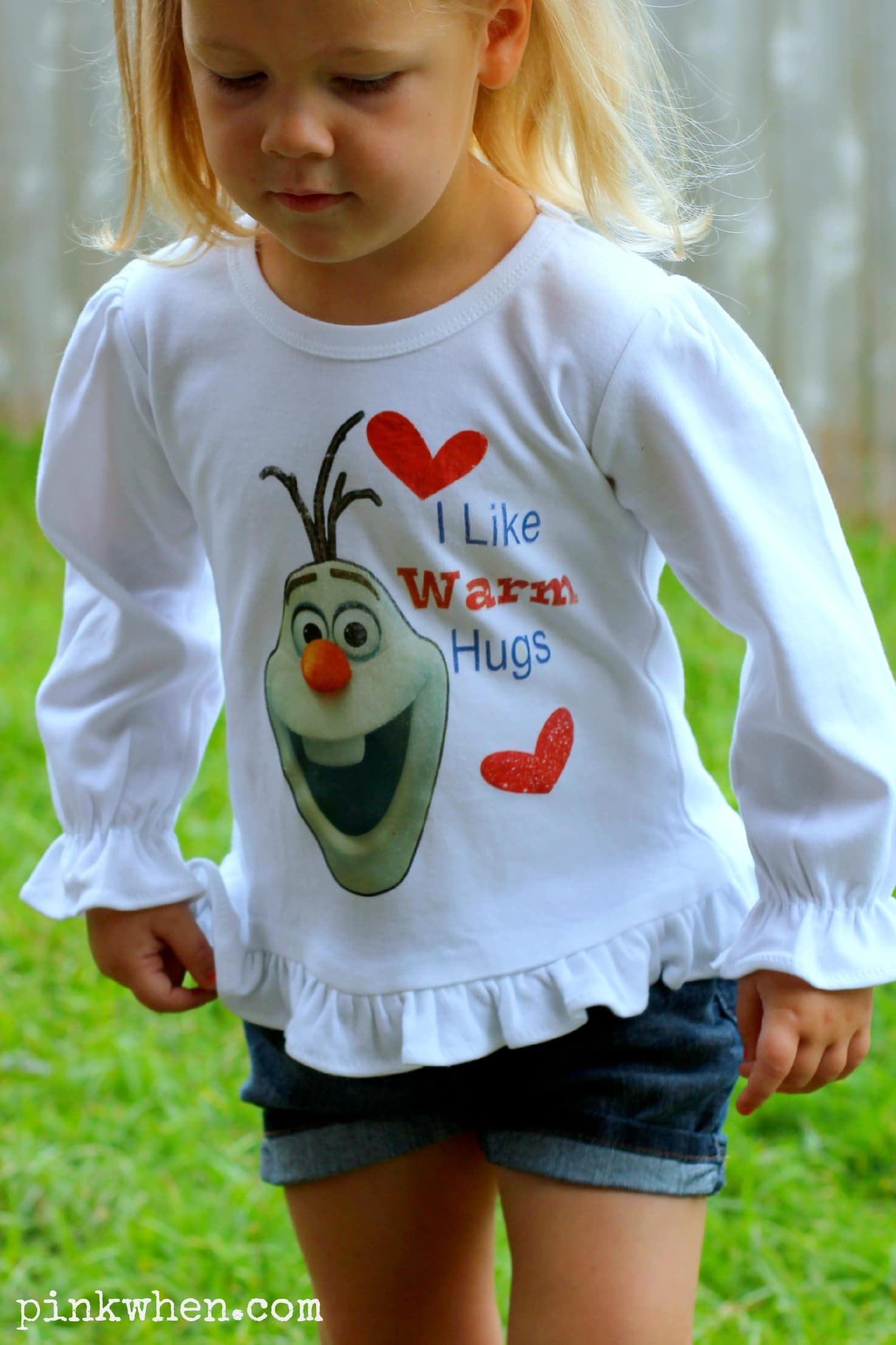 DIY Frozen Olaf Shirt via PinkWhen.com
