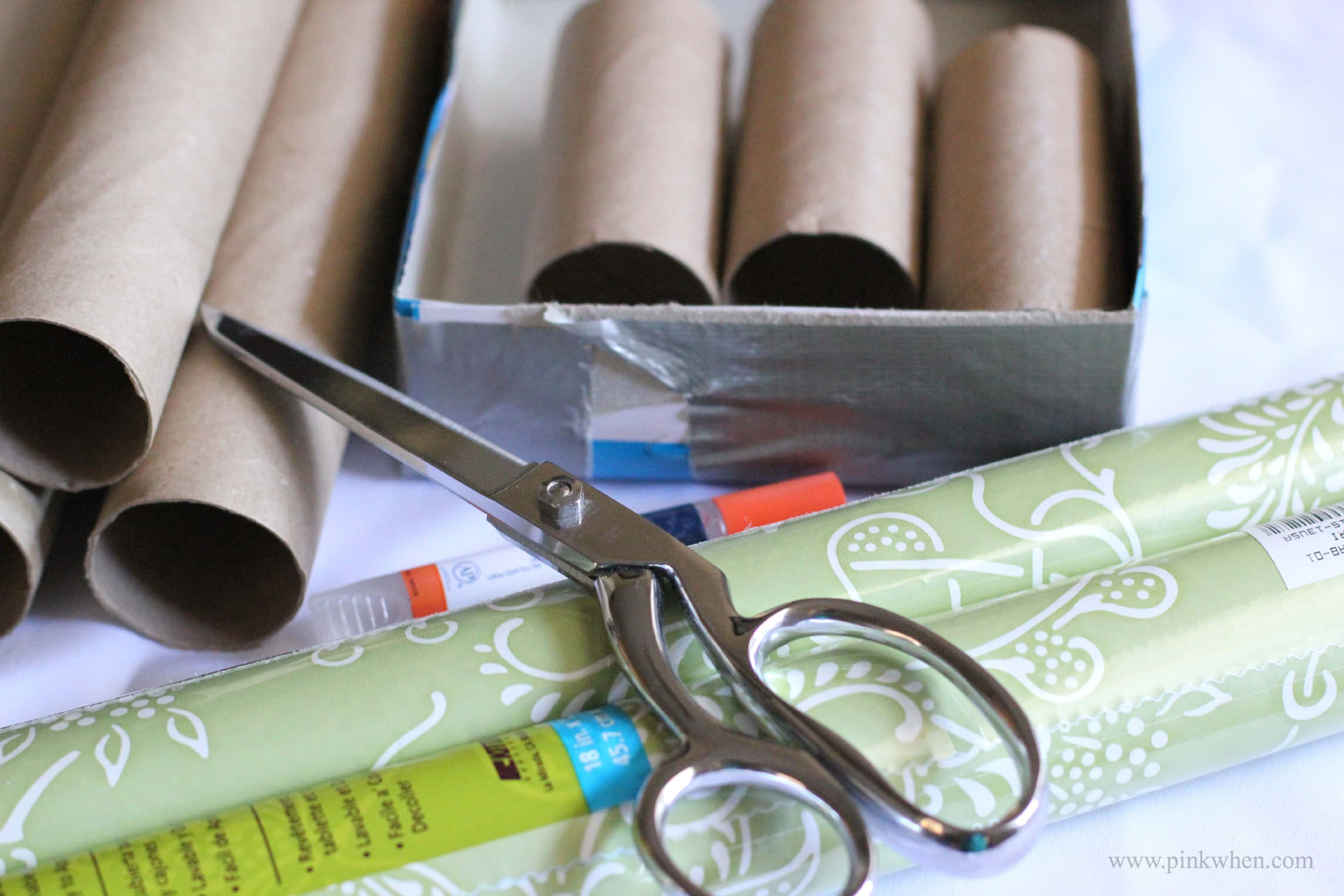 DIY Cardboard Roll Desk Caddy 1