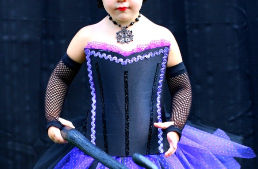 DIY No Sew Maleficent Costume via PinkWhen.com 2