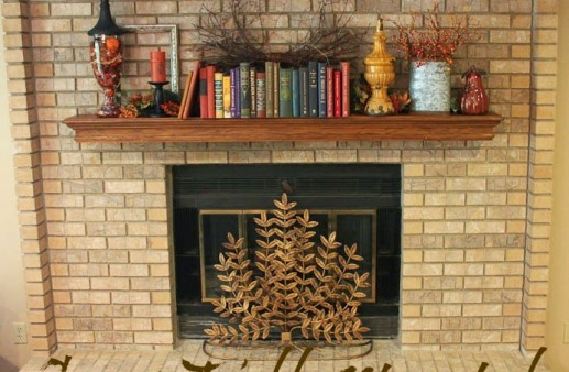 Easy Fall Mantle via PinkWhen.com