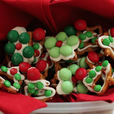 How to Make Holiday Pretzels and Santa's Snack Mix
