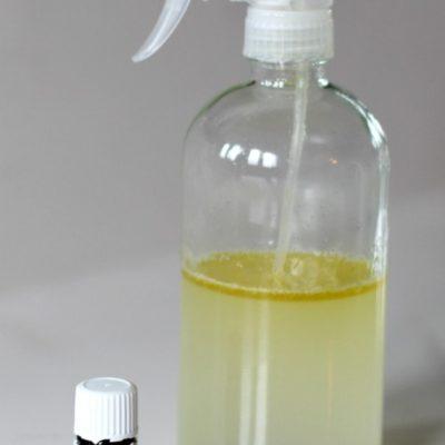 How to make an easy homemade lemon scented dusting spray