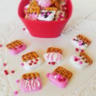 How to Make Valentine's Day Pretzel Treats