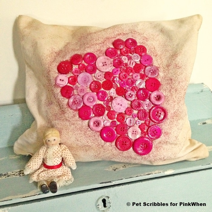 Shabby-Valentine-Heart-Pillow