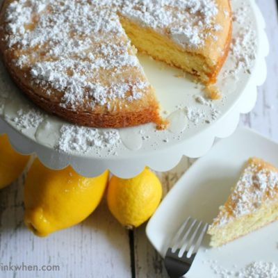 How to Make a Lemon Cake with Essential Oils