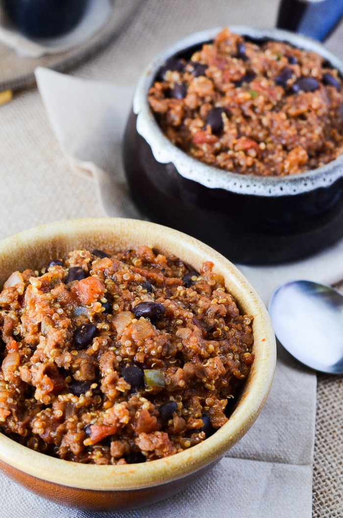 One-Pan-Vegan-Quinoa-Chili-4-2