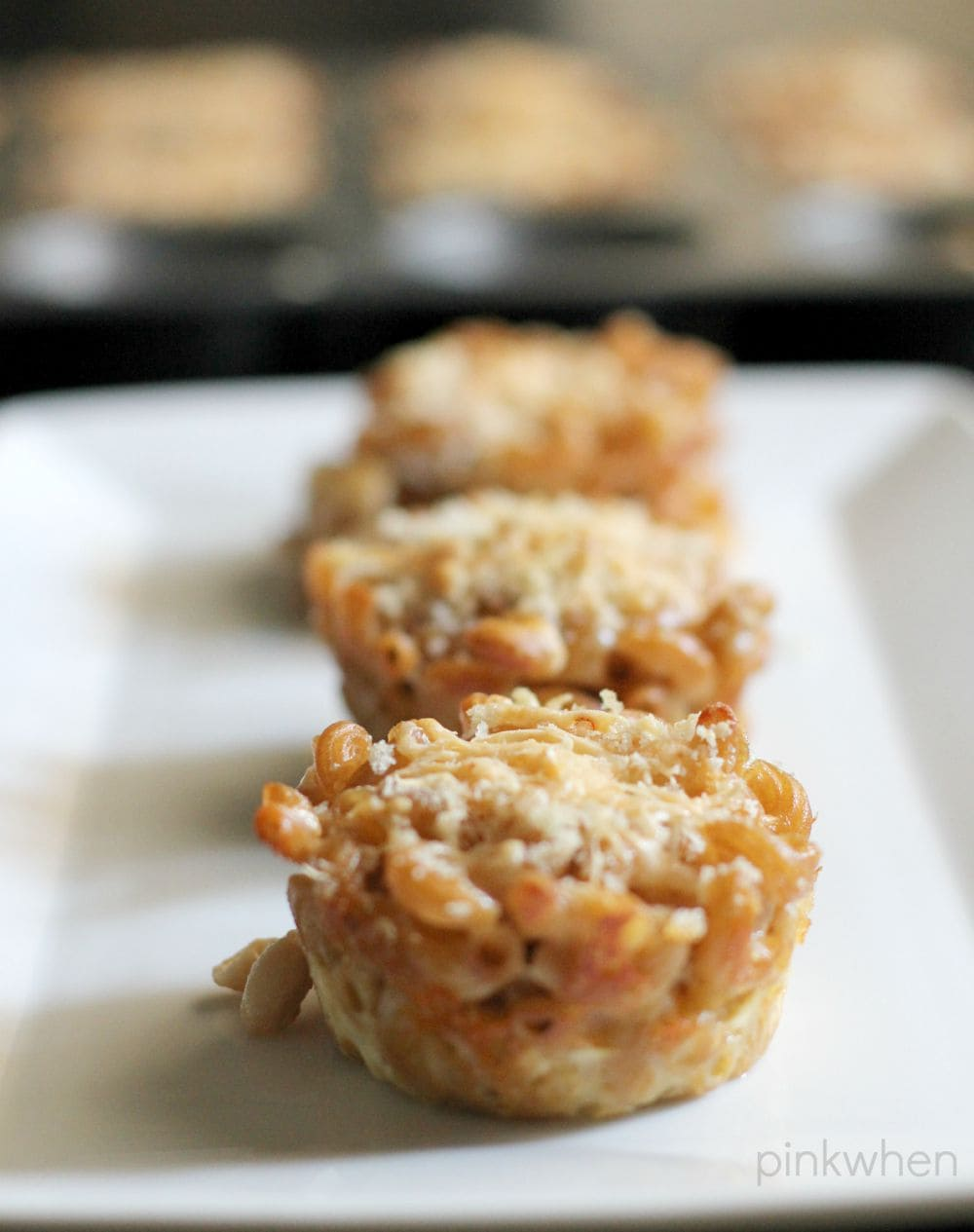 Homemade Macaroni and Cheese Muffin Cups | PinkWhen