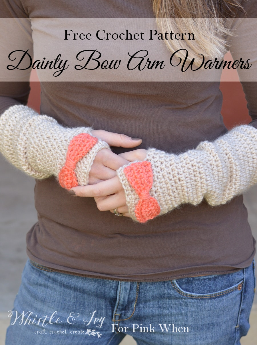 Dainty Bow Crochet Arm Warmers - Crochet these pretty and cozy arm warmers with this free crochet pattern. Pattern by Whistle and Ivy.