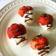 Nutella Stuffed Chocolate Covered Strawberries