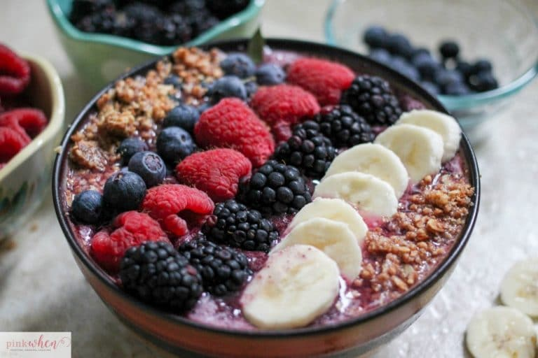 Blackberry Granola Smoothie Bowl Recipe