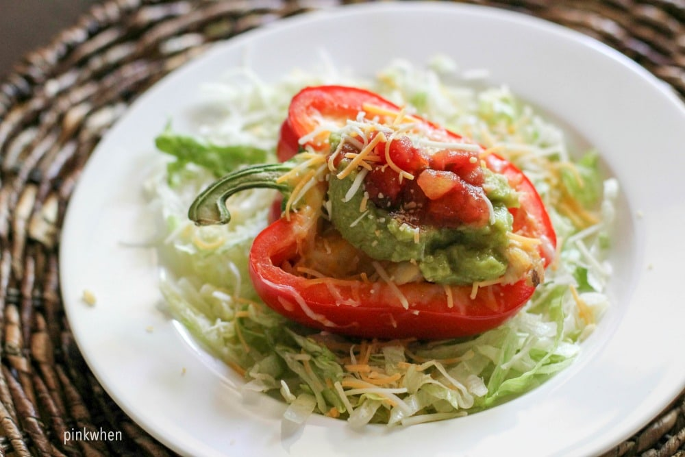 Chicken Fajita Stuffed Bell Pepper Recipe made with flavored quinoa, chicken, and more!
