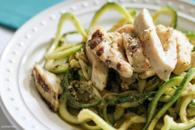 This delicious Pesto Chicken Zoodles recipe doesn' just taste good, it's also a healthy recipe that is Whole 30, PALEO, and Simple Fit Forty.