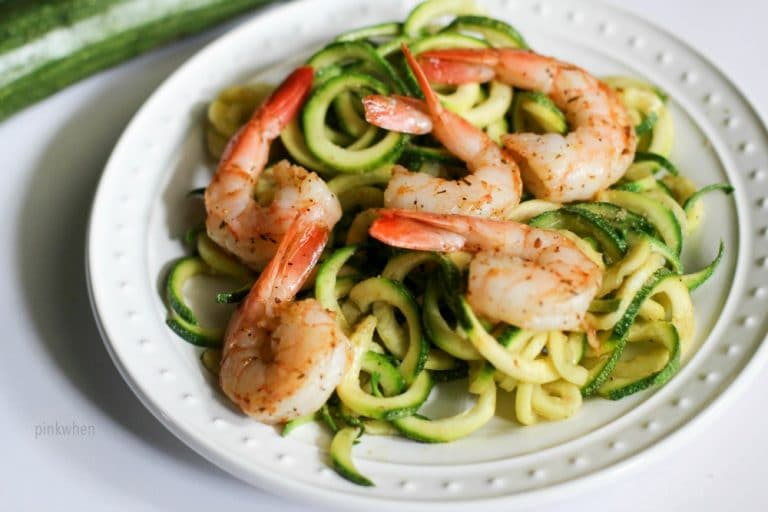 Shrimp Scampi Zoodles Recipe - A delicious healthy lunch or dinner in 10 minutes or less! Whole 30, PALEO, and a Simple Fit Forty Lifestyle recipe.