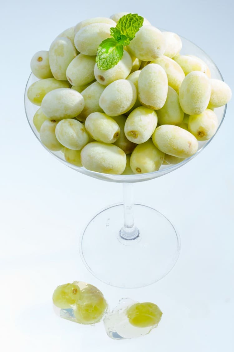 Frozen Grapes - Healthy Summer Snacks