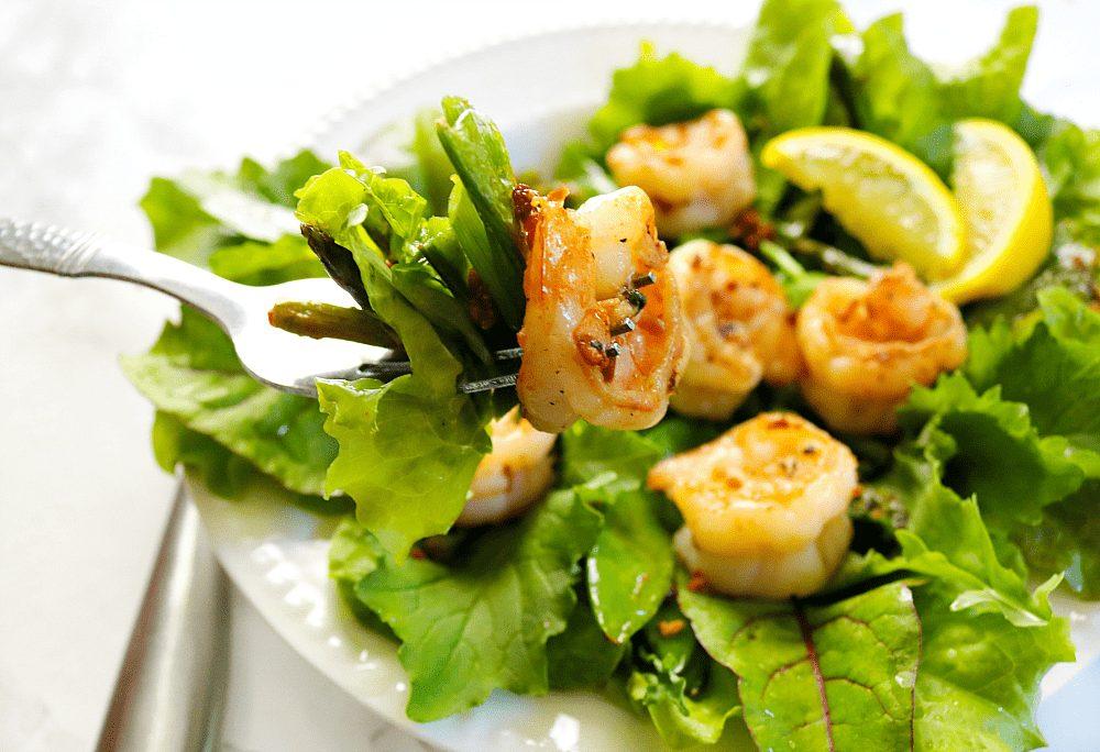 Garlic Lemon Pepper Shrimp Salad - the perfect clean eating lunch recipe.
