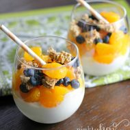 Mandarin Orange and Blueberry Yogurt Parfait