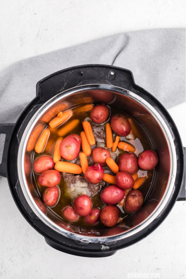 Added vegetables to roast in a pressure cooker.