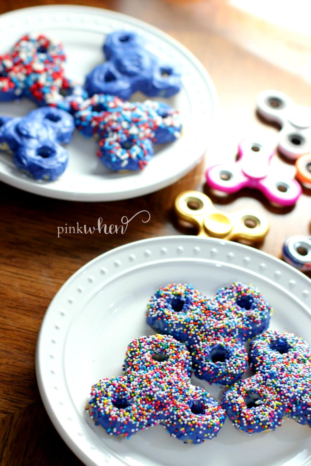 You can't make the perfect fidget spinner cookies without the perfect fidget spinner cookie recipe! Check out this easy recipe along with videos.