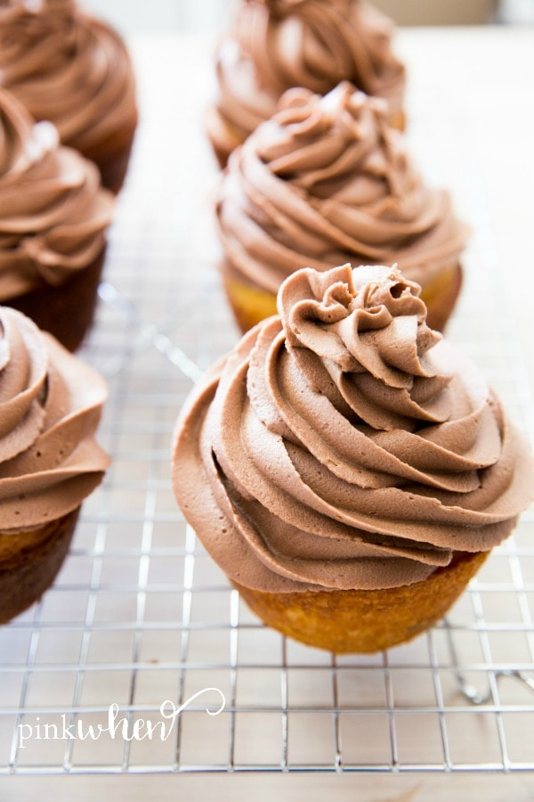 Nutella Buttercream Cupcakes with Hidden Cadbury Egg #NutellaCupcakes #CadburyCupcakes #EasterDessert