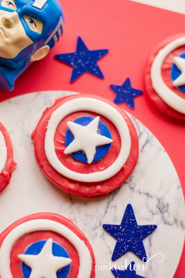Easy to make Captain America Shield Cookies #CaptainAmericaShield #CaptainAmericaParty #Avengers