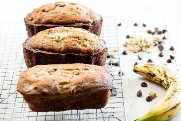 Chocolate Chip Banana Bread, simple amazing! #chocolatechipbananabread #bananabreadrecipe #bananabread