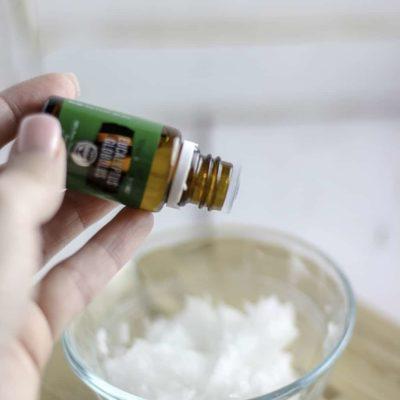 How to Make the Perfect Homemade Vicks Rub