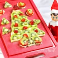 How to Make the Ultimate Christmas Fruit Pizza