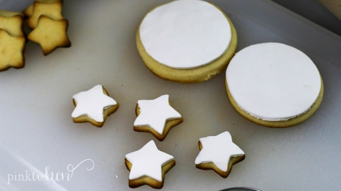 Countdown Cookies with frosting in shapes of circles and stars.