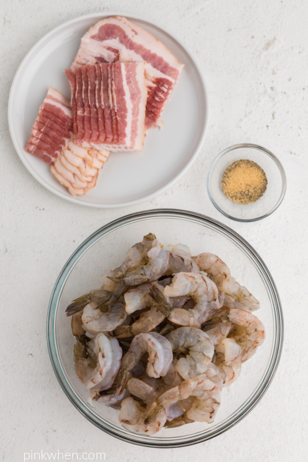 Ingredients needed to make air fryer bacon wrapped shrimp.