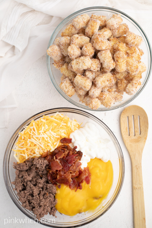 Ingredients needed to make cheeseburger tater tot casserole with bacon.